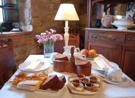 Desayuno-para-empezar-el-dia-La-Casona-de-Tresgrandas