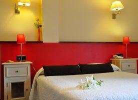 Habitación-doble-con-vistas-a-la-Sierra-del-Cuera-Hotel-Puerta-del-Oriente