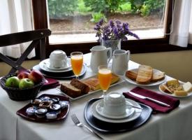 Desayuno-Hotel-Puerta-del-Oriente