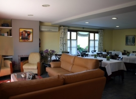 Hotel-Puerta-del-Oriente-comedor