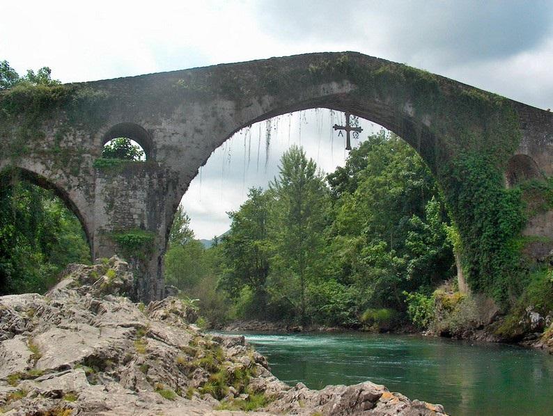 San valentin en Llanes-Puente Romano Cangas de Onis