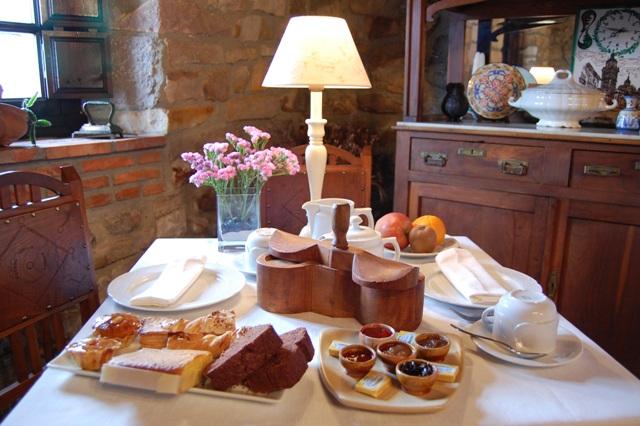 Desayuno La Casona de Tresgrandas. Oferta fin de semana gastronomia y naturaleza