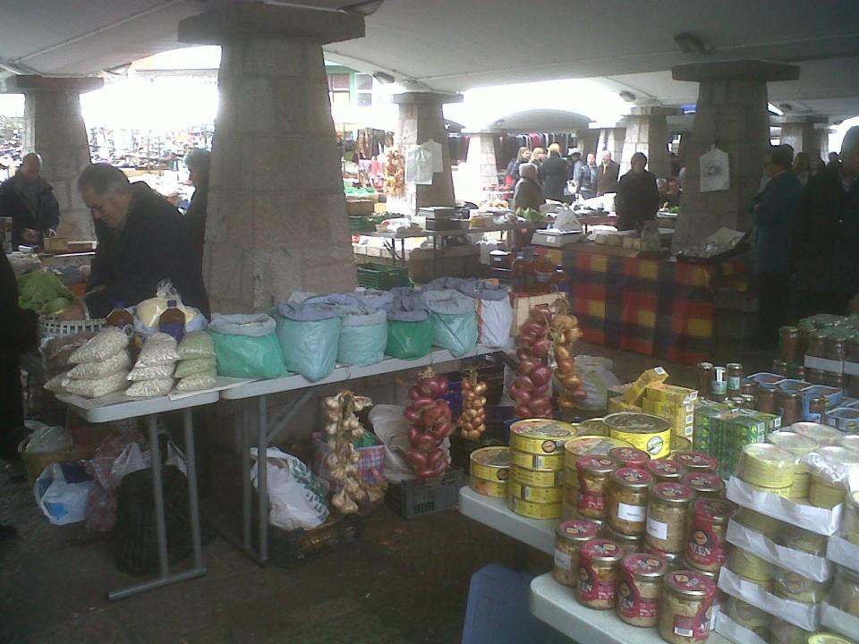 Mercado de Cangas de Onis- Hoteles en Llanes