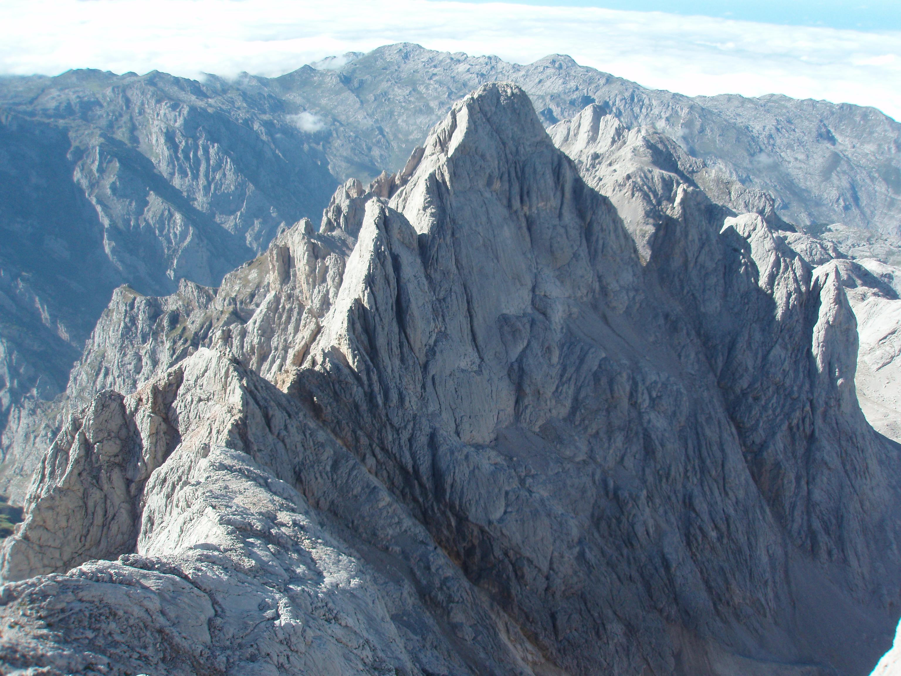 Pico Torre Cerredo