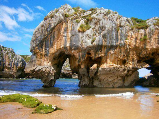 Playa de Cuevas del Mar- Llanes