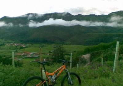 Oferta julio en Llanes. 4 noches en MP + Bicicletas de montaña de regalo